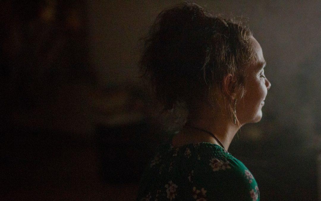 vice :  10 Fragen an eine Psychonautin, die du dich niemals trauen würdest zu stellen